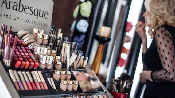 ARABESQUE Make-up– Leichtigkeit, die Sie faszinieren wird!